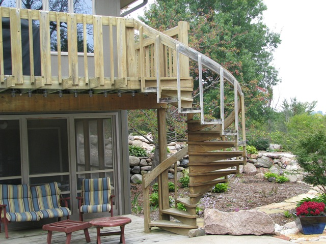How To Build Wood Spiral Deck Stairs